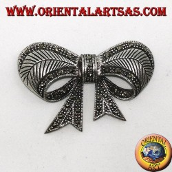 Silver brooch with bow shaped marcasites