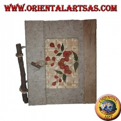 Photo album in tree bark and flower petals with clasp, 20 cm