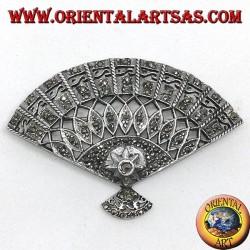 Spilla in argento con marcassiti a forma di ventaglio