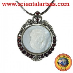 Silver brooch with cameo and garnet