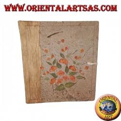 Fotoalbum in Baumrinde und Stickerei von Blütenblättern, 27 cm