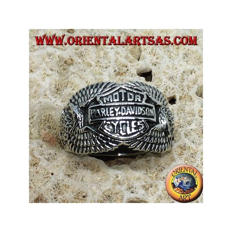 anello in argento con logo della harley davidson tra le