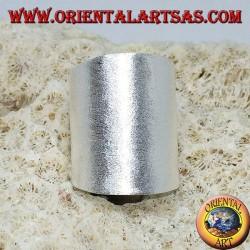 Anello in argento a fascia larga satinata