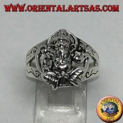 Anello d'argento con Ganesh seduto con decorazioni sei laterali dell'anello