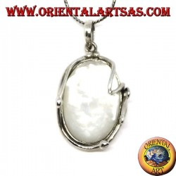 Oval silver pendant with mother of pearl in the silver thread