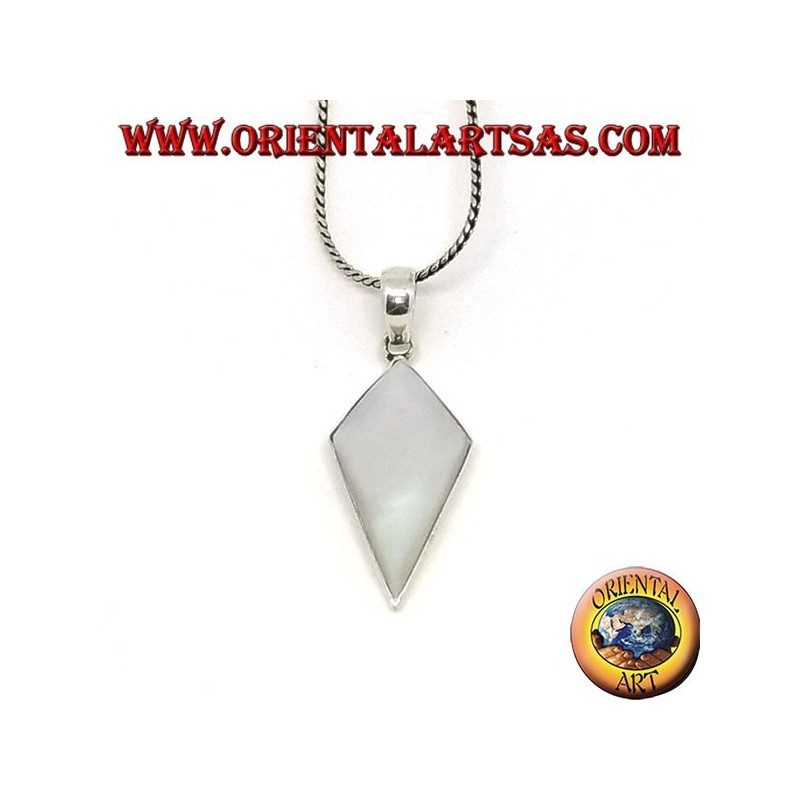 Silver pendant with shield-shaped mother-of-pearl