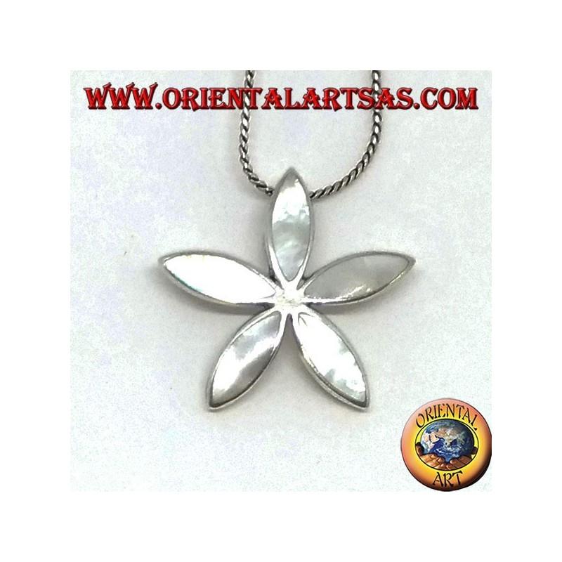 Ciondolo in argento con madreperla a forma di stella
