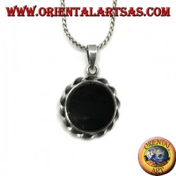 Silver pendant with sun-shaped round onyx
