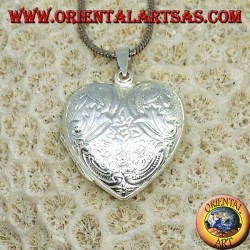Silver pendant chiselled heart-shaped picture frame (large)