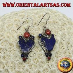 Серебряные серьги с лазуритом и кораллом (типичная непальская серьга в сердце)