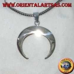 Colgante en plata, media luna con puntas hacia abajo.