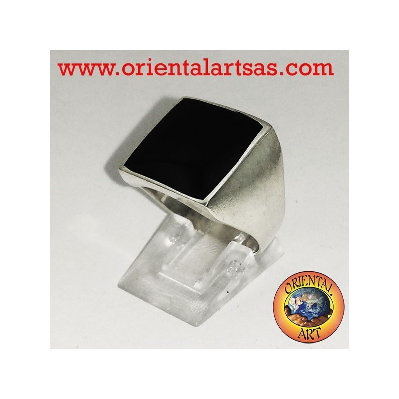 flat ring with onyx