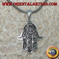 Colgante de plata, en forma de mano de Fátima hamsa.