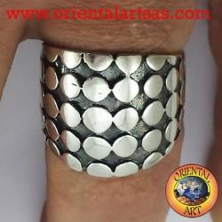 anello fascia borchiata