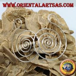 Orecchini a filo di argento, a forma di spirale (grande)