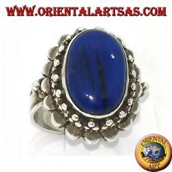 Bague en argent avec gros lapis-lazuli ovale entouré de billes