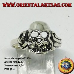 Silver ring of a slimy skull