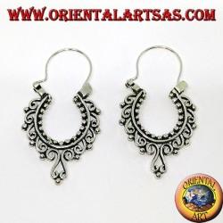 Orecchini in argento a cerchio con decorazioni barocche