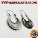 Orecchini in argento a borsetta bombata intagliata di stile etnico