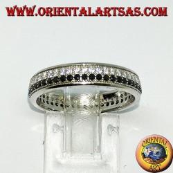 Anello in argento a fedina con due file di zirconi, una di zirconi bianchi ed una di zirconi neri