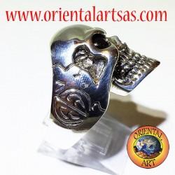 Anello in argento teschio con occhi di granato