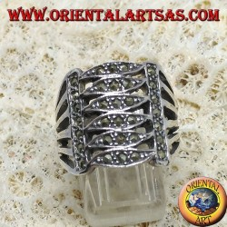 Anello in argento a fascia con sei ellissi paralleli e marcasite