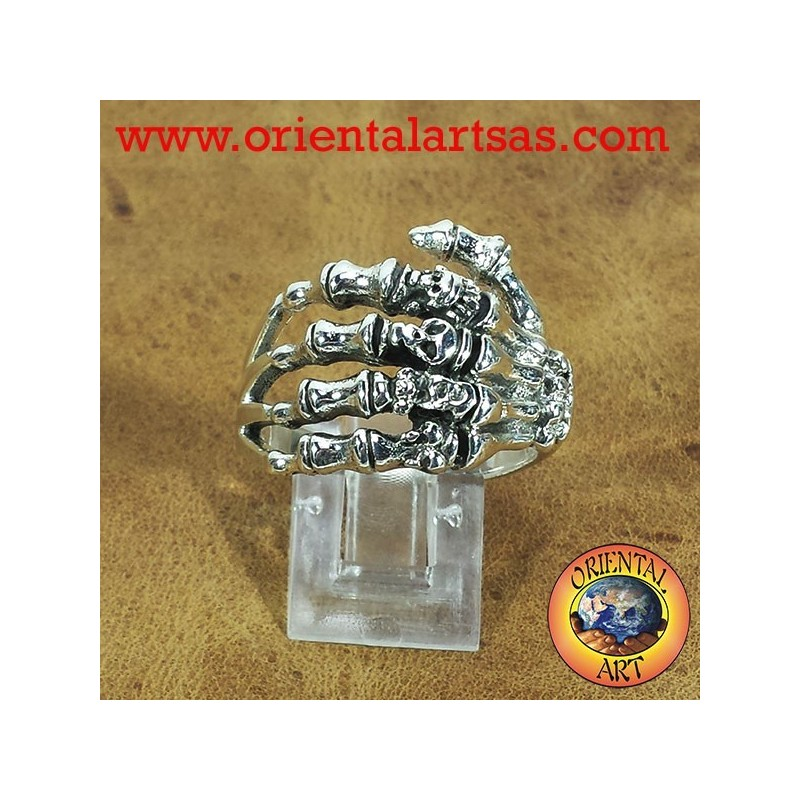 hand ring with skulls