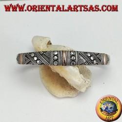 Bracciale in argento, con 3 placche in oro 14 carati e borchie fatto a mano