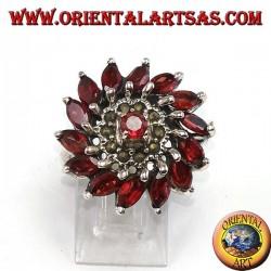 Bague ronde en argent avec 14 perles de grenat naturel