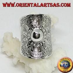 Anello a fascia larga in argento, scudo fatto a mano dai karen