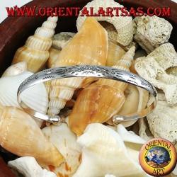 Rigid silver bracelet, engraved with handmade Maori