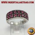 Anello in argento a fascia con due file di rubini tondi incastonati
