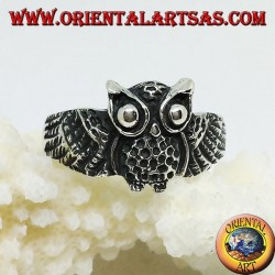 Silver ring in the shape of an owl owl