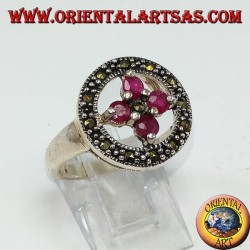 Round silver ring with a cross of 4 round set rubies