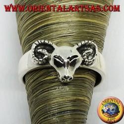 Серебряное кольцо с головой барана