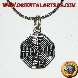 Silver pendant on the octagonal labyrinth of Amiens