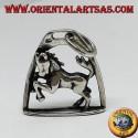 Ciondolo in argento cavallo rampante sotto l'arco