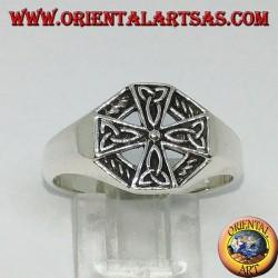 Anello in argento croce celtica con nodi di tyrone