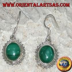 Orecchini in argento con malachite ovale contornata di pallini