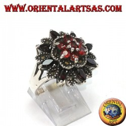 Серебряное кольцо с 8 челночными гранатами + 7 натуральных и маркасситовых раундов