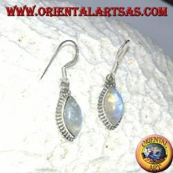 Серебряные серьги с радужным челноком лабрадорит