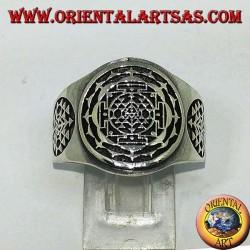 Anello Sri chakra Yantra in argento a fascia larga