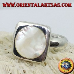 Square silver ring with round mother-of-pearl