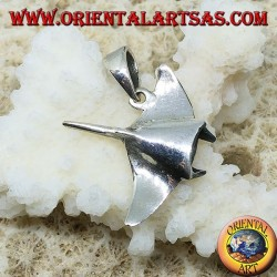 Silver manta pendant, symbol of elegance and beauty of the soul