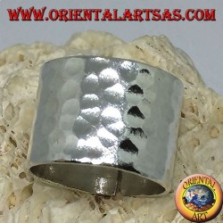 Wide band ring in silver, hammered 16 mm. hand made