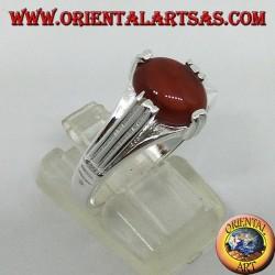Серебряное кольцо с сердоликом овальной формы на четыре точки