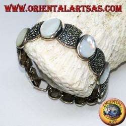 Bracelets en argent sertis de nacre ovale et de marcassite