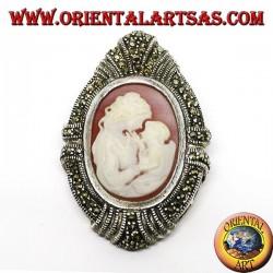 Серебряная брошь и кулон с матерью камеей и ребенком в окружении марказитов