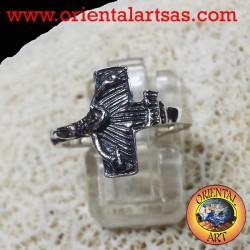 anello con crocifisso in argento