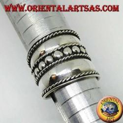 Breiter Bandring in Silber mit zentralen Nieten, Bali